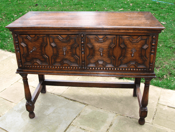 how to shabby chic - sideboard ready to be upcycled