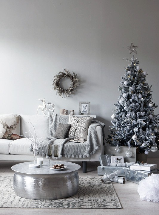 How to Style a white Christmas, Image styled by Pippa Jameson for Homestyle. Photographed by Jo Henderson