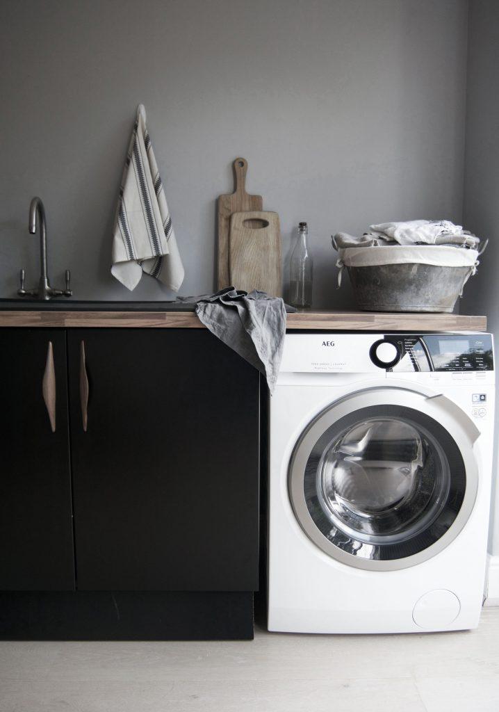 Pippa Jameson styling the new AEG ProSteam technology washing machine