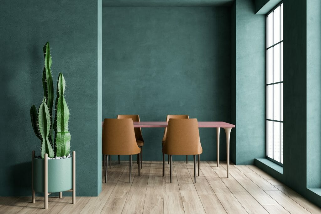 How to become a stylist: dining table and chairs with a cactus