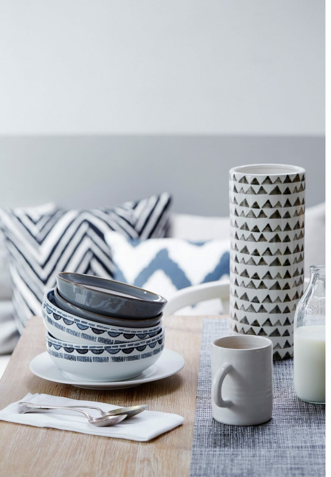 ikat, pippa jameson interiors, brent darby, patterned china, dining rooms, chevron cushions, ikat vase, Layer up your Monochrome and Ikat chinaware for a calm and contemporary dining room