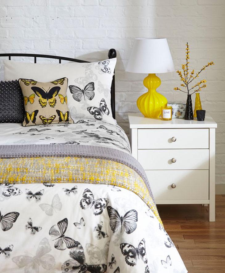 Monochrome_bedroom